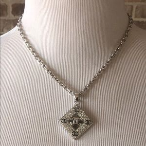 Stainless steel rhinestone necklace